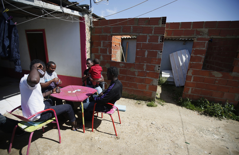 Emergenza casa internazionale for Generatore emergenza casa