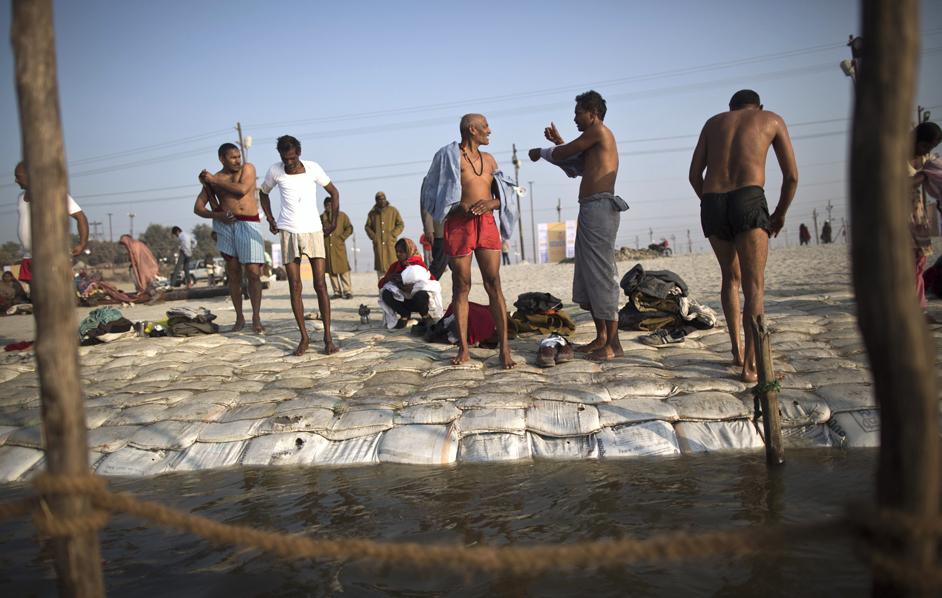 Internazionale immagini india - Bagno purificatore ...
