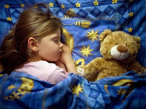 Internazionale svezia dice no ad abitudine far dormire bimbi in lettone genitori - Metodi per far dormire i bambini nel loro letto ...