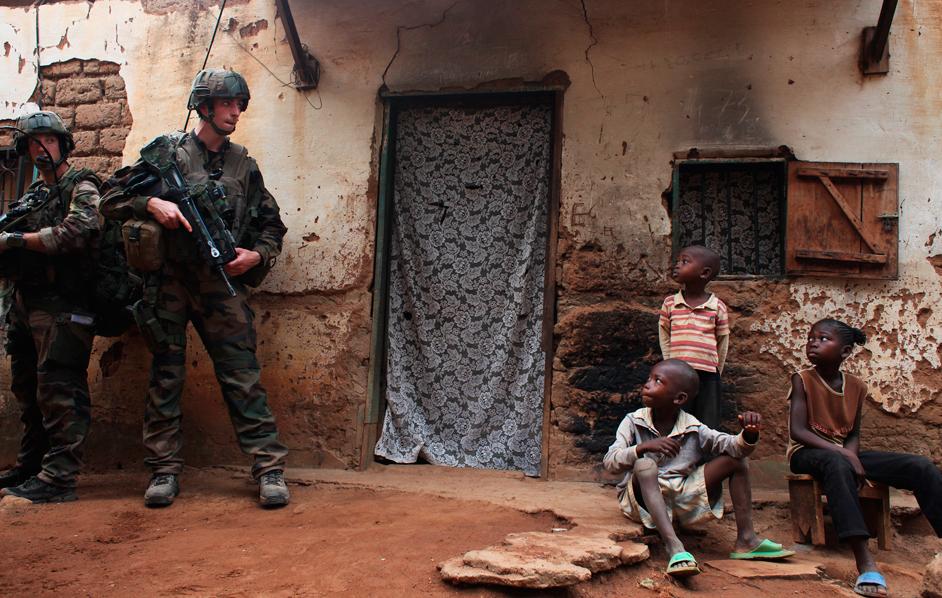 Segnali di distruzione in ogni casa di bangui!