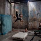 Le prove di uno spettacolo circense all'Avana, a Cuba. (Alexandre Meneghini, Reuters/Contrasto)