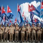 Soldati dell'esercito cubano durante una marcia contro il terrorismo, all'Avana. (Alexandre Meneghini, Reuters/Contrasto)